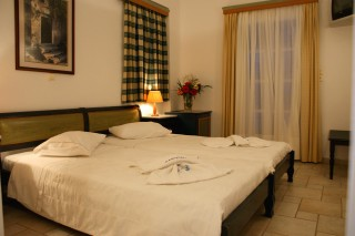 Economy double room with Sea view alkyoni beach bed
