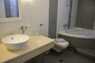 Standard Double room alkyoni bathroom