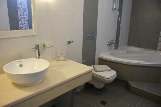 Standard Double room alkyoni bathroom