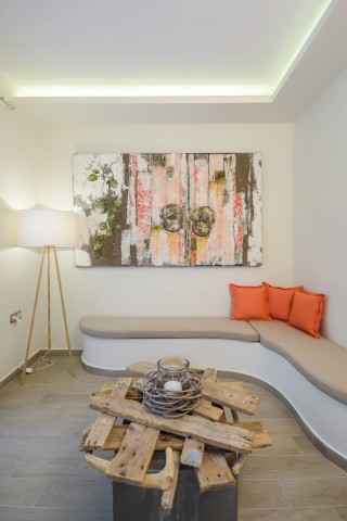 junior suite alkyoni beach living room