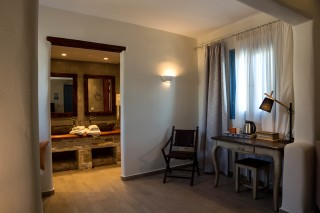 suite alkyoni beach hotel room